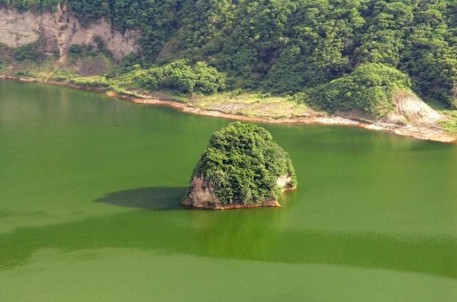 در این جزیره ، جزیره ای وجود دارد که خود دارای یک جزیره است !