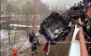 نجات راننده کامیون پس از تصادف زنجیره ای+فیلم
