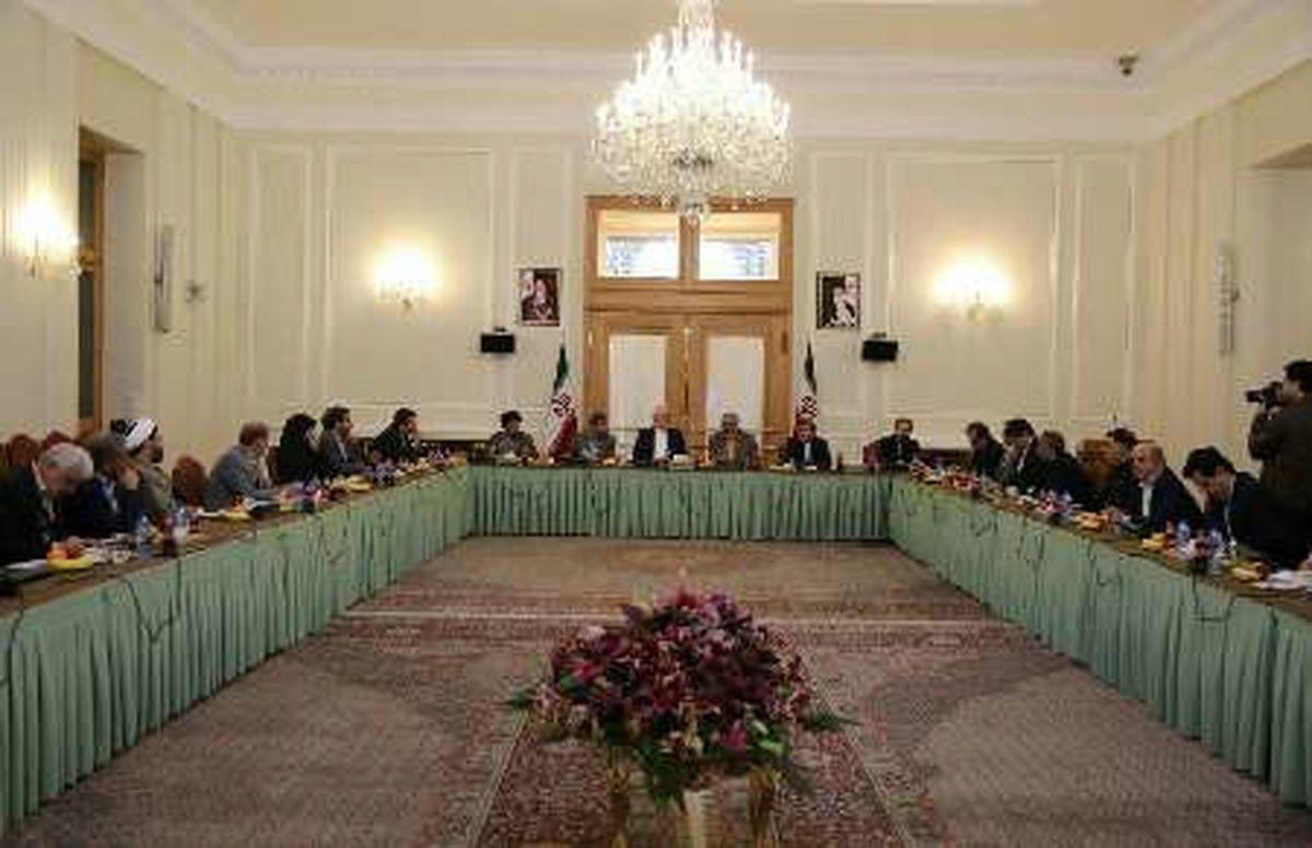 نشست هم اندیشی رئیس و اعضای کمیسیون اقتصادی مجلس با وزیر و مدیران وزارت امور خارجه