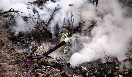 آتش زیرآوار، هنوز زبانه میکشد