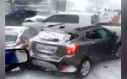 تصادف زنجیرهای وحشتناک به دلیل یخ زدگی خیابان + فیلم