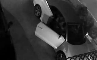 سرقت خودروی آئودی گرانقیمت با تهدید قمه +فیلم