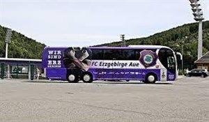 حادثه رانندگی برای اتوبوس تیم آلمانی(عکس)