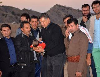 اختصاصی/ گزارش تصویری کامل  حضور علی دایی در مناطق زلزله زده