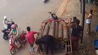 لحظه انفجار پمپ بنزین در کامبوج