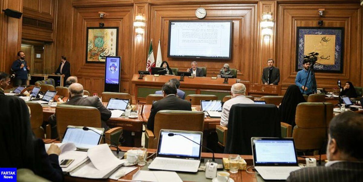 محسن هاشمی از تعطیلی دو هفتهای شورای شهر تهران خبر داد