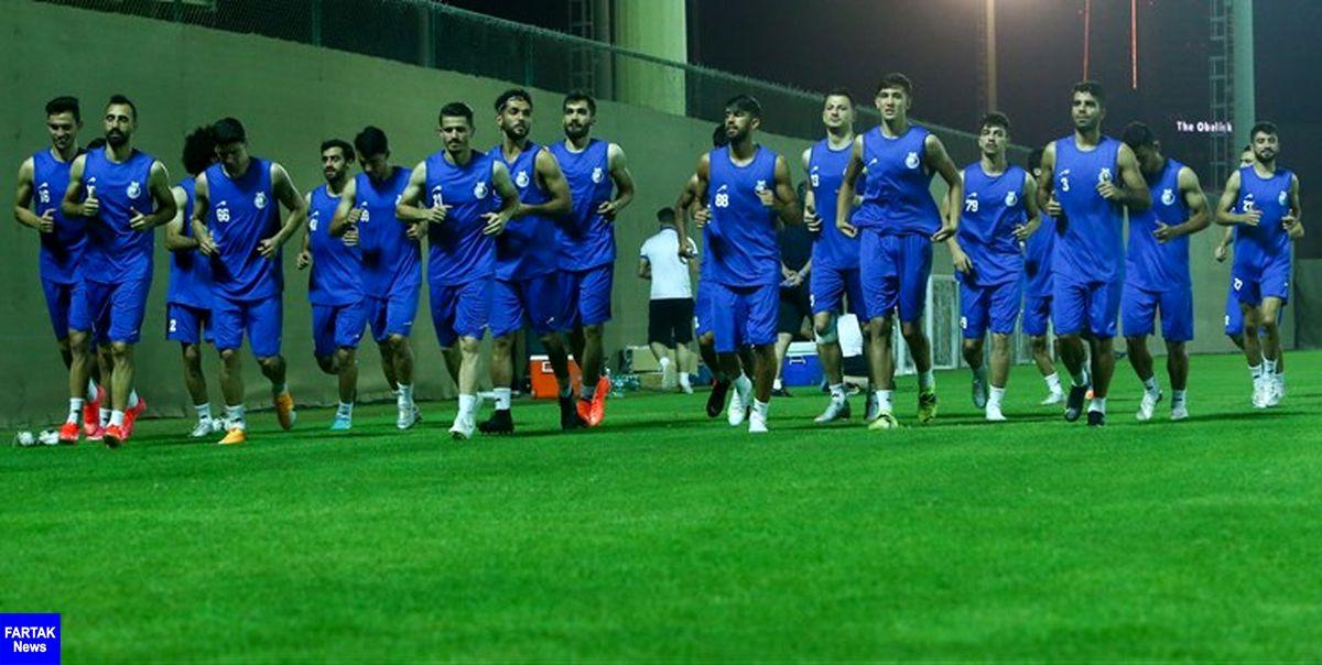 گزارش تمرین استقلال  حضور یک بازیکن با لباس شخصی و غیبت هافبک جداییطلب
