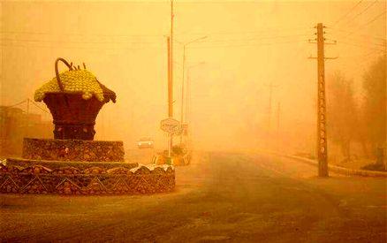 سرعت وزش باد همراه با گرد و خاک در سیستان به 104 کیلومتر بر ساعت رسید