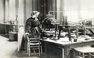 تاثیرگذارترین دانشمندان زن تاریخ + تصاویر
