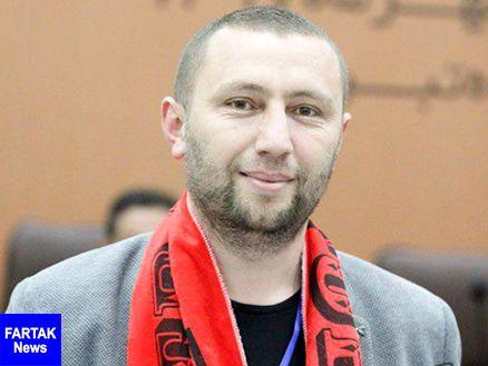 شال هواداری باشگاه تراکتورسازی بر گردن استاد دانشگاه ترکیه ای
