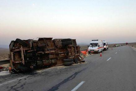 واژگونی اتوبوس در محور شاهرود-سبزوار/۱۷مصدوم۶کشته