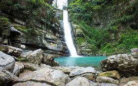 چشماندازی از آبشار پلکانی شیرآباد در «خانببین» + فیلم