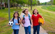 با ۶ راهکار آسان از بلوغ زودرس دختران پیشگیری کنید