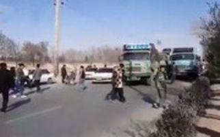 بستن خیابان با خودرو و کامیون توسط هواداران سپاهان