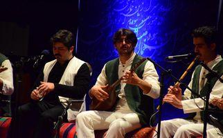 گزارش تصویری کنسرت گروه موسیقی آیین در همدان