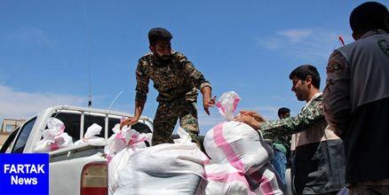 امدادرسانی و توزیع اقلام اهدایی توسط بسیجیان شستا به مناطق سیل زده