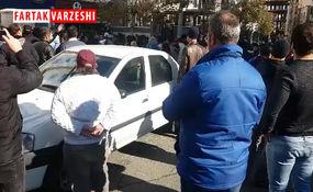 فیلم/ تجمع اعتراضی هواداران استقلال در مقابل باشگاه