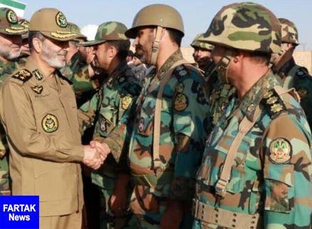 فرمانده کل ارتش از گروه ۸۴۰ موشکی نیروی زمینی ارتش بازدید کرد