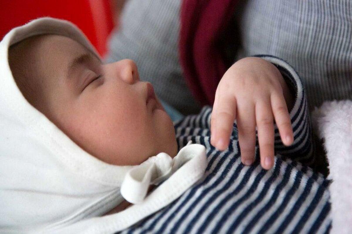توصیه ای به مادران کرونایی؛نوزادان را از شیر طبیعی محروم نکنید!