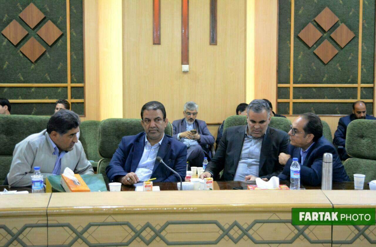 شورای گفت وگو استان کرمانشاه با حضور وزیر تعاون، کار و رفاه اجتماعی