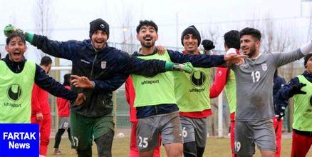 تمرین شاداب شاگردان کرانچار در هوای بارانی