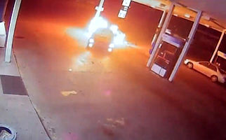 آتش سوزی عمدی در پمپ بنزین+فیلم