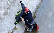 نجات فرد گرفتار در کانال خیام مشهد توسط آتشنشانان