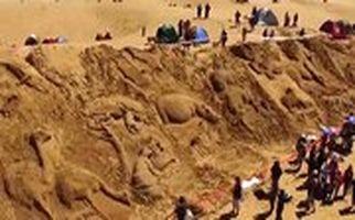 ساخت کشتی غولپیکر نوح در ساحل