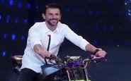 موتور سواری امین حیایی در مسابقه «عصرجدید»
