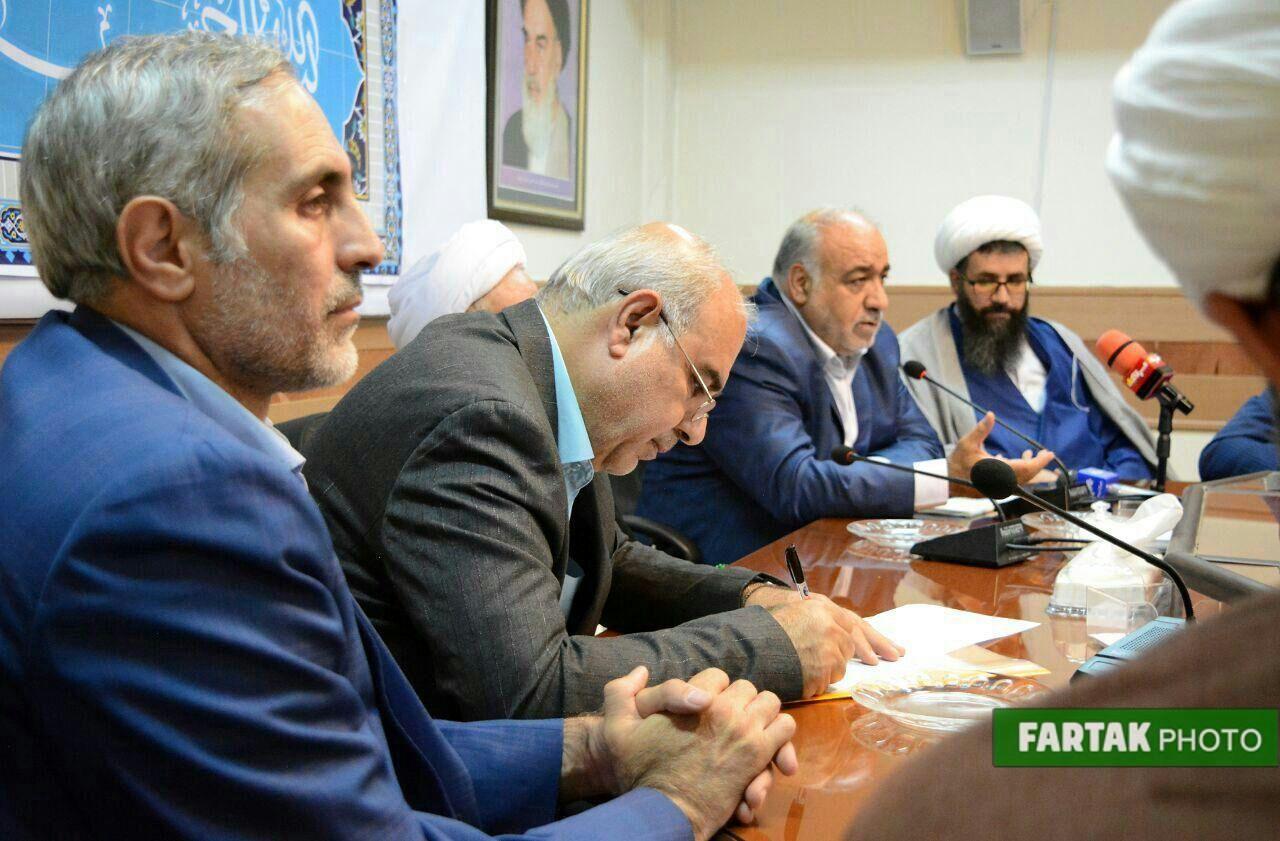 دیدار استاندار کرمانشاه و اعضای شورای اداری با نماینده ولی فقیه در استان