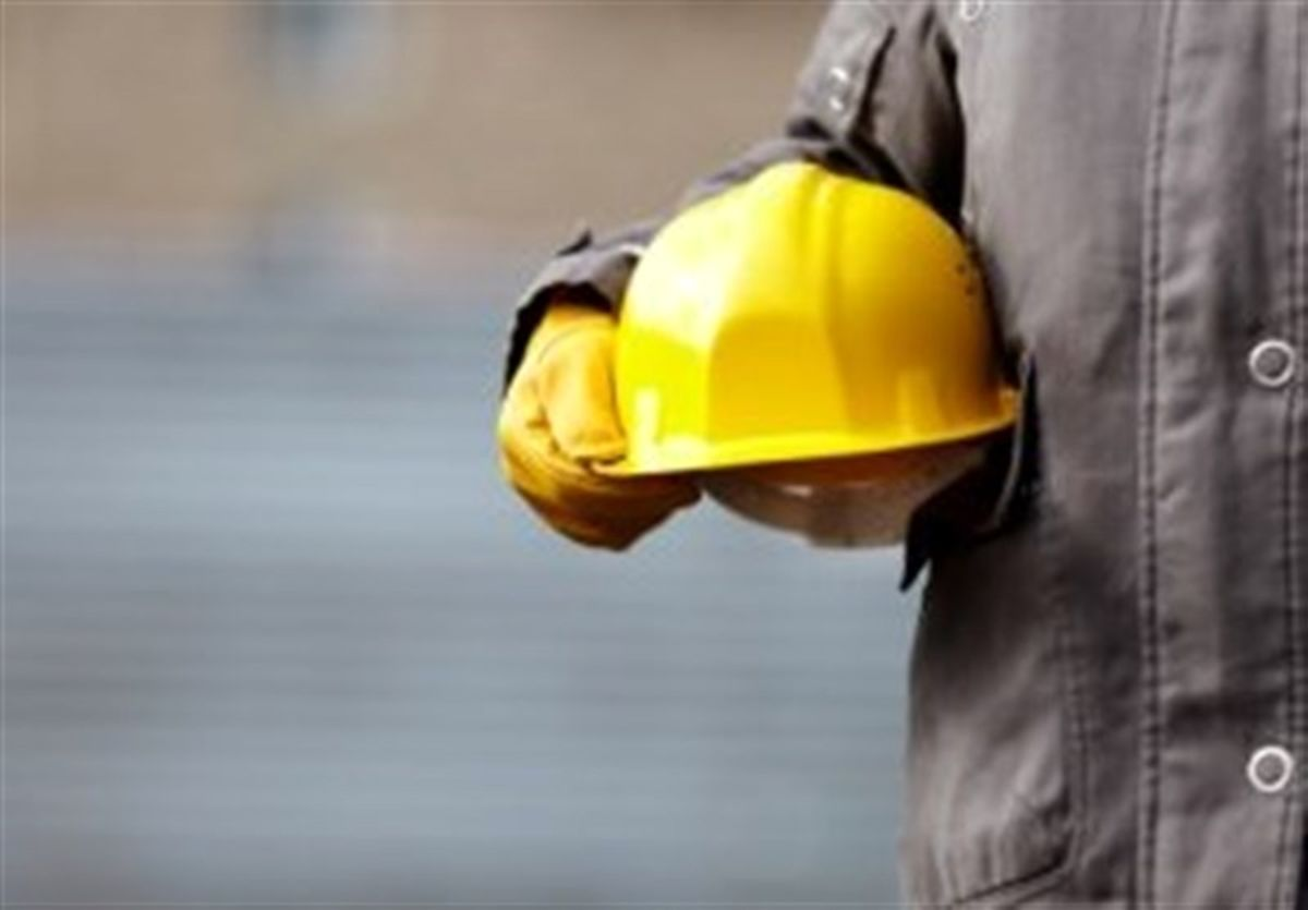 دستمزد کارگران باید حداقل 100 درصد افزایش یابد / کارگران 2 به 1 باخته اند !