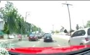 عاقبت شوکهکننده صحبت با موبایل موقع عبور از خیابان!