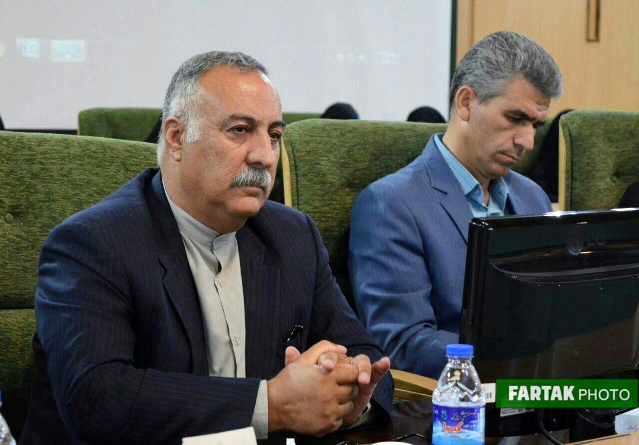 نشست معاون سیاسی وزارت کشور با معتمدین کرمانشاه
