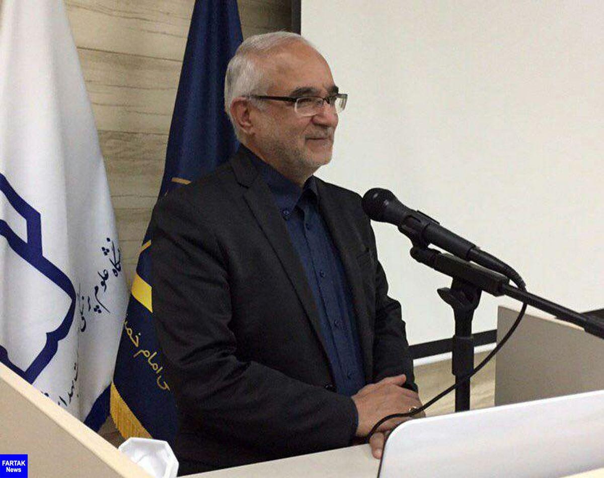 تنگ نظری ها امکان توسعه و پیشرفت را از ما می گیرد / علت رسوب پزشکان در کرمانشاه را بررسی کنیم