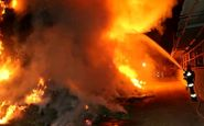 حریق گسترده کارخانه مصنوعات چوبی در جاده خاوران
