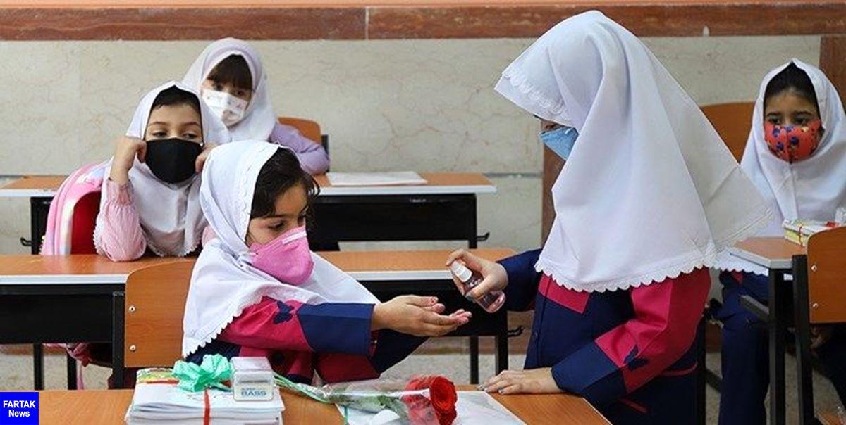 زمان آغاز واکسیناسیون دانشآموزان مشخص نیست