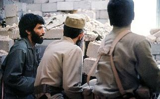 لحظات دیده نشدهای از حضور «رهبر انقلاب» در خرمشهر در کنار «شهید جهان آرا» + فیلم