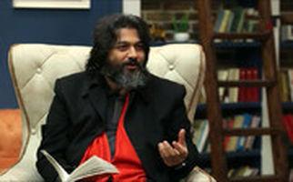 عشق پیر و جوون نمی شناسه/ شعرخوانی سید عبدالجواد موسوی در برنامه کتاب باز