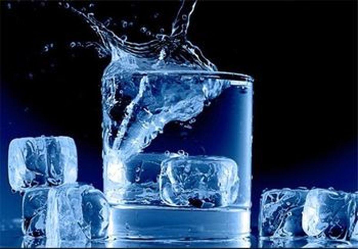 عوارض نوشیدن آب یخ بر بدن
