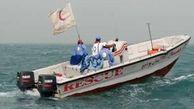 امدادگران هلال احمر گناوه سرنشینان دو قایق حادثهدیده را نجات دادند