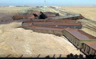 واژگونی قطار حامل سنگ آهن در نیشابور + فیلم
