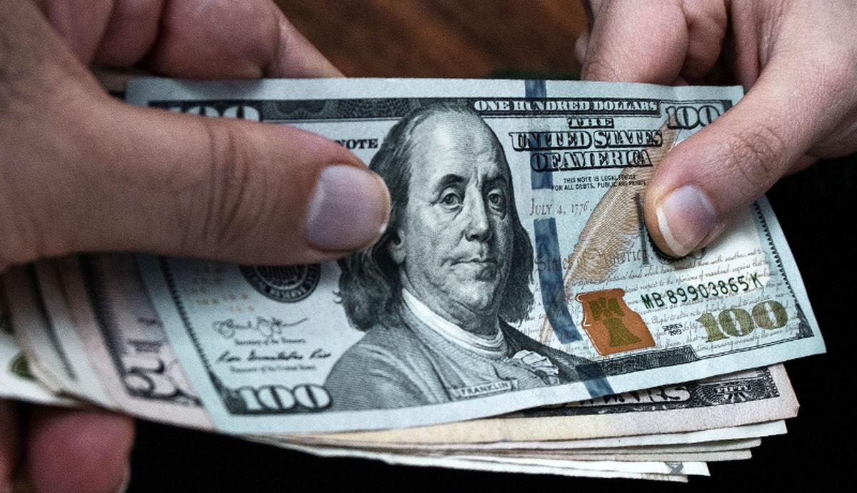 سیر نزولی قیمت دلار تا کجا ادامه دارد؟