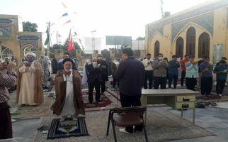 گزارش تصویری اقامه نماز عید فطر در ۵ بقعه متبرکه استان کرمانشاه