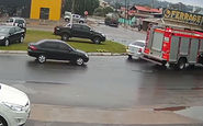 آتش گرفتن یک خودرو در زمان مناسب! + فیلم