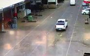 انفجار غیرمترقبه کانال فاضلاب در خیابان + فیلم