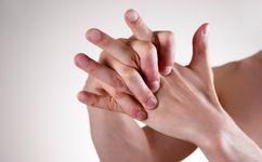 خطرات وحشتناک شکستن قلنج انگشتان دست