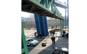خودکشی دختر 18 ساله از بالای پل هوایی