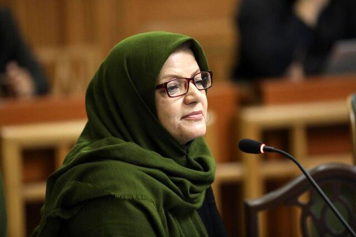 مردم تهران کمتر اقدام به رها کردن ماسک و دستکش در معابر می کنند