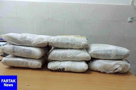 فرمانده انتظامی خاتم: قاچاقچیان با ۲۳۸ کیلوگرم تریاک در خاتم زمینگیر شدند