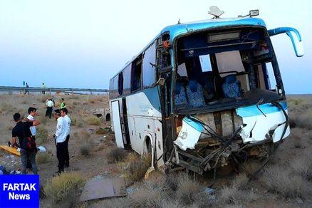 تصادف تریلی و اتوبوس در قزوین